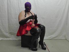 Ausbildung zum Sklaven  -3- Schwanzbehandlung