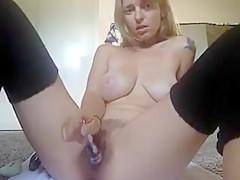 Webcam milf mit tollen tits masturbiert