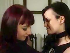 Goth girls beim lesbensex und geilen dildospielen