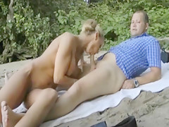 Deutsche hure bekommt beim outdoorsex nen orgasmus
