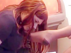 Petra leckt die fuesse der lehrerin