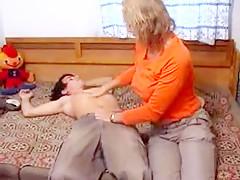 mom verführt betrunkenen freund vom son
