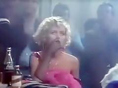Liz Hurley Der Skipper