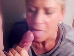 Blowjob queen pussi spermageil