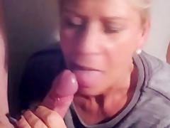 Blowjob queen pussi spermageil