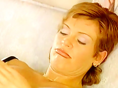 Short hair hairy cunt frau curing