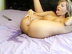 Camgirl lara muss beim orgasmus ejakulieren