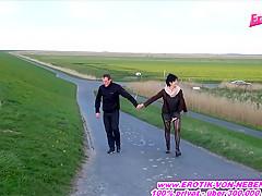 Deutsche Oma sexy-noemi public blowjob bei ihrem enkel