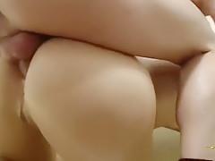 Sie wills von hinten in den Arsch