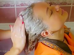 Haare Waschen Und Shampoonieren – 25