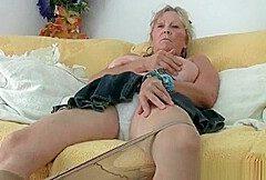 Granny zeigt sich (1)
