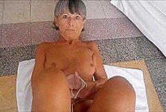Hbsche Oma, geile Figur