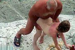 alter man fickt 18jaehrige am stand voyeur Visita: videosultimateforever